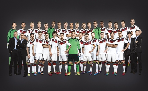 DFB_Group_vs_07_Mercedes_Trikot_WEB