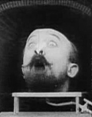 Méliès_Lhomme_à_la_tête_en_cahoutchouc_Star_Film_382-383_1901