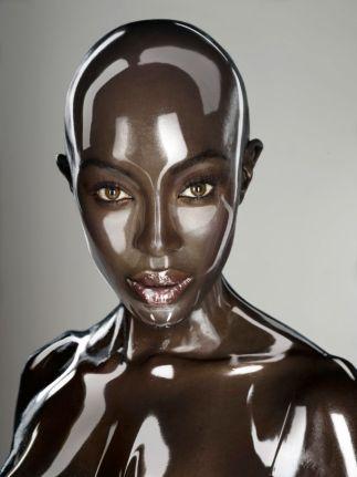 Seb Janiak - Naomi-Campbell-Robot-Soon-Intern