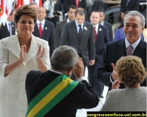 LULA-com-a-Faixa-de-Presidente-aplaudido-por-DILMA